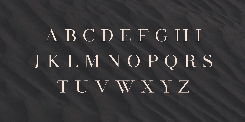 Uppercase Madreu serif font