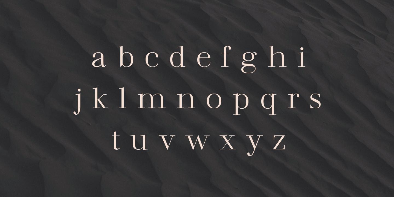 lowercase Madreu Serif font